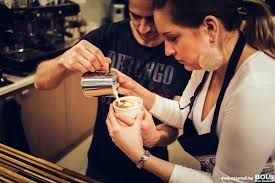 kantor_eniko_barista_latte _art